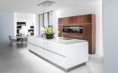 Diese Kontraste lassen die Küche zum absoluten Hingucker werden! #Häcker #HäckerKüchen #systemat