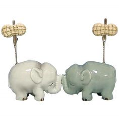 WL SS-WL-93433 Two Solid Grey and White Elephants Kissing Photograph Clips, 4' >>> You can get more details here : Kitchen Utensils and Gadgets