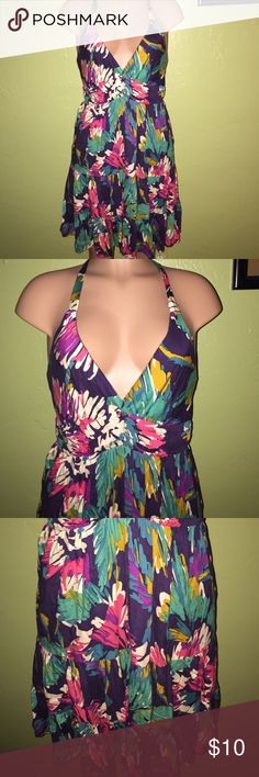 Forever 21 Sun Dress Floral patterned dress with halter type top and textured bottom. Dress has a lining that stretches. The dress was worn twice. Still in great condition. Forever 21 Dresses Midi