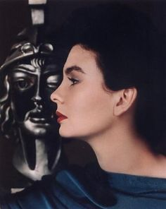 The exquisite Jean Simmons, c. 1948.