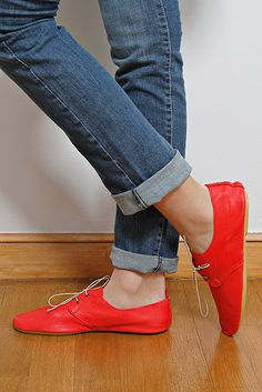 Derbies Anniel. Red leather with jeans/