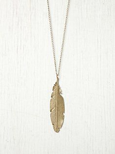 Feather Pendant Necklace in wildflower
