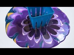 This video is about Fluid Acrylic Painting with a Square Colander. My paints are only diluted with water. There are no additives in these paints. This square. Pour Painting Techniques, Acrylic Pouring Techniques, Acrylic Pouring Art, Acrylic Painting Lessons, Acrylic Art, Acrylic Paintings, Flow Painting, Drip Painting, Strainer Painting