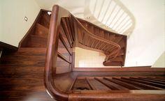Unser Mitgliedsunternehmen ROZEK | Treppen-Fenster-Türen  - Eingestemmte Massivholztreppe -  Mehr Informationen unter http://www.treppen.de/de/portfolio-leser/rozek-treppen-fenster-tueren-eingestemmte-massivholztreppe.html