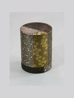 Gold & silver lacquered Sayanuri container- Yamamura