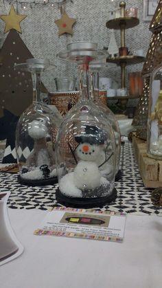 Cudowny balwanek na Marche De Noel w Eu Snow Globes, Home Decor, Noel, Interior Design, Home Interior Design, Home Decoration, Decoration Home, Interior Decorating