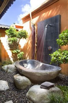 Bathrooms with Stone Walls | Cool Tropical Bathroom Decor Ideas With Stone Bathtub And Shower Wall ...