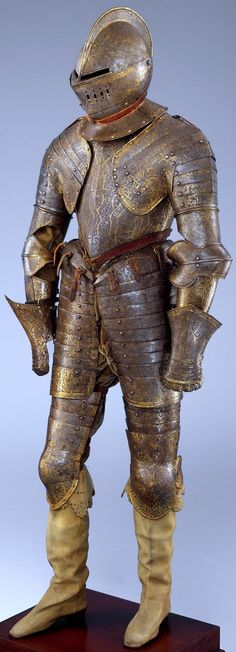 Armor for heavy cavalry, ca. one of the best-preserved French armors… Medieval Knight, Medieval Armor, Medieval Fantasy, Armadura Medieval, Knight In Shining Armor, Knight Armor, Samurai, Ancient Armor, Historical Artifacts