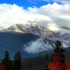 The #clouds parted and the #sun shone through... Rainy #fall days in the #mountains mean #winteriscoming. #playwinterpark