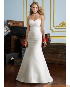 robe de mariée en satin empire sans bretelle