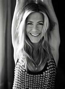 Gallery of photos showing Jennifer Aniston styles. Jennifer Aniston dress sense, clothes, accessories and hairstyles. Jennifer Aniston Fotos, Jenifer Aniston, Hollywood Glamour, Girl Crushes, Pretty People, Beautiful People, Beautiful Smile, Beautiful Women, Hey Gorgeous