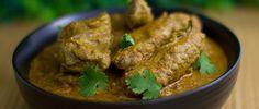 Malabar chicken Curry/Varutharacha Chicken Curry