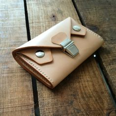 Handmade Leather Goods in London | M.E.S Leather London-SR