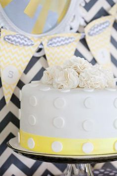 Gender Neutral BABY SHOWER IDEAS via Kara's Party Ideas   maybe do with baby blue and baby pink!