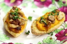 Pumpkin and Goat Cheese Tartlet Appetizers @http://www.phamfatale.com/id_2339/title_Pumpkin-and-Goat-Cheese-Tartlet-Appetizers/