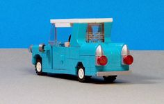 Lego Weasleys Ford Anglia from Harry Potter 03