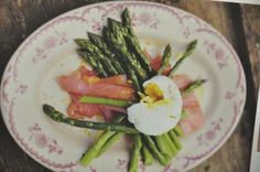 Blanched Asparagus, Smoked Salmon and Poached Egg