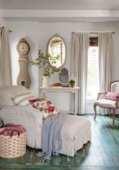 Keltainen talo rannalla: Romanttista, rustiikkia ja klassista