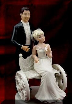 wheelchair wedding topper-This is the first time I've seen one of these..lovely.