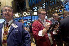 Wall Street recua com expectativa para Payroll - http://po.st/8vgKrb  #Bolsa-de-Valores - #Eua, #Folhas-De-Pagamento, #Trabalho