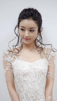 China's current it girl, A-list actress, doll-face Zanilia Zhao Li Ying Beautiful Chinese Girl, Beautiful Girl Image, Beautiful Hijab, Beautiful Asian Women, Korean Beauty Girls, Beauty Full Girl, Sexy Asian Girls, Asian Beauty, Zhao Li Ying