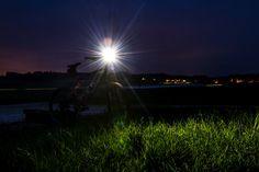 Scheinwerfer für das Bike: Fenix BC30R. Das Powerpack von Fenix macht die Nacht zum Tag! Wind Turbine, Adventure, Night