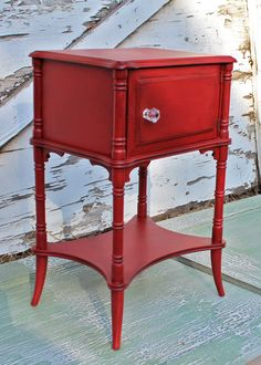 Vintage Furniture bad rabbit vintage - painted furniture with attitude : My, what a busy little bee I've been Red Painted Furniture, Small Furniture, Repurposed Furniture, Shabby Chic Furniture, Vintage Furniture, Diy Furniture, Dream Furniture, Colorful Furniture, Plywood Furniture