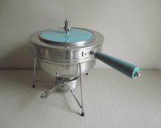 Buenilum Chafing Dish  Mid Century Warming Dish  by gazaboo