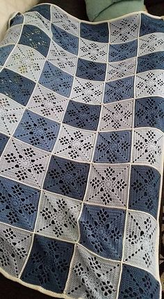 Free download on Ravelry. I love this blanket with blue and white. Makes me think of Blue Delft! Love it!!