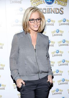I cant stand jenny mccarthy but i love the blonde bob square jenny mccarthy photos photos arrivals at the legends show pmusecretfo Images
