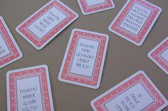 52 Dinge die ich an dir liebe Karten Kartenspiel Valentinstag Geschenk selber basteln DIY Tutorial Anleitung kostenlos Aufkleber aufkleben