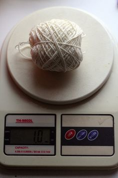 Tutorial on knitting from your stash and how to make the most of your leftovers ~ Good to know