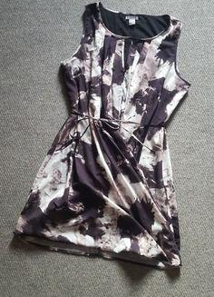 Įsigyk mano drabužį #Vinted http://www.vinted.lt/moteriski-drabuziai/trumpos-sukneles/22353375-hm-nerealiai-grazi-zavinga-suknele