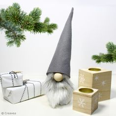 DIY: How to make a Christmas gnome? - Christmas tips and tutorial ideasA must for Christmas this year, the Christmas gnome will make you fall in love! This DIY shows you how to make a Diy Halloween Decorations, Halloween Diy, Diy Christmas Elves, Diy Projects For Boyfriend, Diy Stockings, Diy Shows, Wie Macht Man, Diy School Supplies, Diy Weihnachten