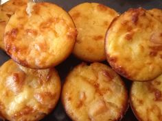 Pizza muffins filled with cheese & turkey ham