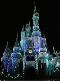 I cannot wait to finally see all the dreamy Christmas decorations at Disney!