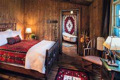 Fantastic Rustic Cabin Bedroom Decorating Ideas - Page 16 of 41 - Actaeon Decor Rustic Cafe, Rustic Desk, Rustic Cottage, Rustic Style, Rustic Wood, Rustic Office, Rustic Cabins, Rustic Outdoor, Rustic Signs