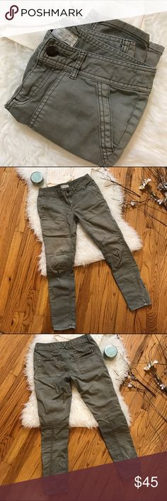 Free People Military Style Pants! Free People Military Style Pants! •Khaki green shade •Soft & comfortable •Good used condition •Has slight staining on one lower leg (see pic 2) •Open to reasonable offers. Free People Pants Straight Leg