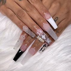 What Christmas manicure to choose for a festive mood - My Nails Drip Nails, Aycrlic Nails, Glam Nails, Bling Nails, Coffin Nails, Cute Nails, Hair And Nails, Chanel Nails, Best Acrylic Nails