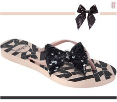 Com a chegada do calor, usar sapatos fechados ou de saltos é desconfortável. Uma sandália moderna e rica em detalhes pode substituir os calçados tradicionais com muito conforto e elegância. Confira este e muitos outros modelos de sandálias Indaiá na Adoro Presentes!  #adoro #indaiá #sandaliasindaia #chic #nude #paete #preto #tope #detalhe #musthave #wishtlist #adoropresentes