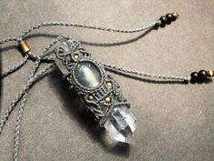 Macrame Earrings, Macrame Jewelry, Macrame Bracelets, Boho Jewelry, Jewelry Crafts, Jewelery, Jewelry Design, Dread Beads, Macrame Design