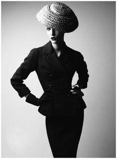 """Model Dior 1954″ Harper"