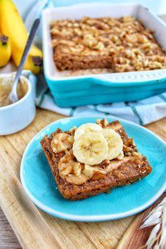Gebakken havermout met pindakaas en walnoten 3 Healthy Food Blogs, Healthy Cake, Healthy Baking, Healthy Treats, Breakfast Snacks, Best Breakfast, Breakfast Recipes, Vegan Breakfast, Alice Delice