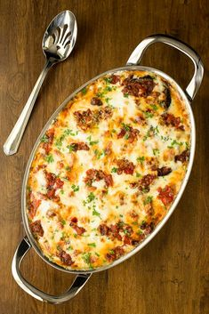 Eggplant and Italian Sausage Gratin is bursting with delicious Italian flavor. It's a dinner party worthy meal that can be made in advance and just popped in the oven at the last minute! Eggplant Dishes, Eggplant Parmesan, Italian Dishes, Italian Entrees, Quiche, Main Dishes, Dinner Recipes, Cooking Recipes, Cooking Corn