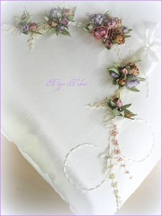 seccade | Flickr - Photo Sharing! Amazing site for ribbon work, beads and embroidery! Nigar Hikmet