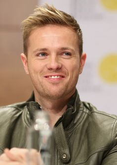 Nicky Byrne Spiked Hair - With his windswept hairstyle, Nicky Byrne looked a bit like an anime character (and we mean that as a compliment). Nicky Byrne, Shane Filan, 80s Icons, My Darling, Love Pictures, Boy Bands, Falling In Love, Beautiful Men, Compliments