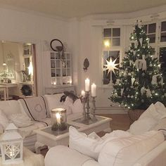 30 Scandinavian Living Room Ideas with Small Christmas Tree White Christmas Ornaments, Swedish Christmas, Small Christmas Trees, Shabby Chic Christmas, Noel Christmas, Country Christmas, Simple Christmas, Christmas Interiors, Christmas Living Rooms
