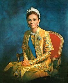 Farah Pahlavi- former Queen (Shahbanu) of Iran 1973 -Artist unknown - Royal museum of Iran Tehran Farah Diba, Royal Jewels, Crown Jewels, Royal Royal, Royal Tiaras, Kings & Queens, King Of Persia, Pahlavi Dynasty, The Shah Of Iran