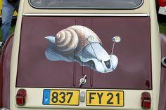 Escargot IMGP1920 • Citroen 2CV art