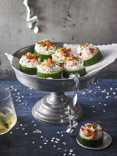 Gurken-Lachs-Häppchen, ein gutes Rezept aus der Kategorie Snacks und kleine Gerichte. Bewertungen: 97. Durchschnitt: Ø 4,4.